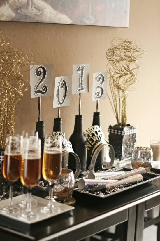 Glittery Centerpiece - 28 Fun and Easy DIY New Year's Eve Party Ideas