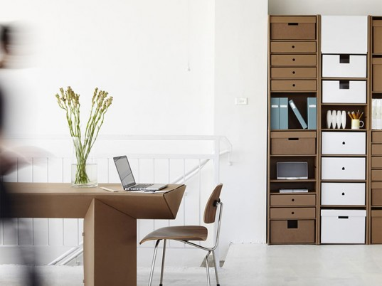 Karton-furniture-wall-unit-and-table